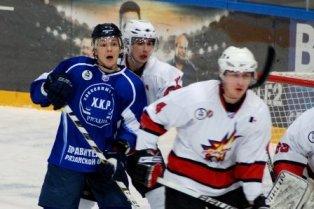 Хоккейный клуб «Ижсталь» разгромил «Рязань» и расстроил их капитана