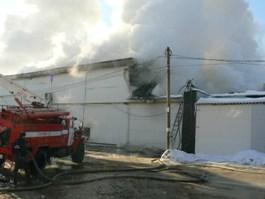В Ижевске сгорел склад с алкоголем