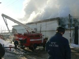 Пожар на складе алкогольной продукции в Ижевске потушили