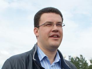 Сити-менеджер Ижевска заметил, что стюардессы «Ижавиа» сняли сапоги