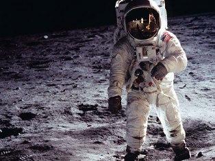 В 2020 году российские космонавты высадятся на Луну