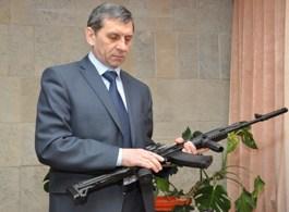 Новый автомат Калашникова управляется одной рукой