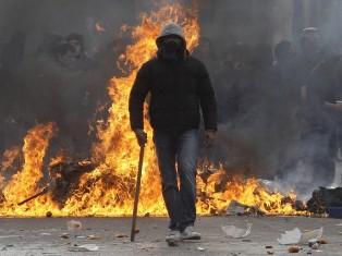 Центр Афин сожгли разъяренные греки