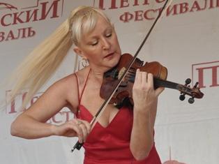Скрипачка Ксения Благович даст единственный концерт в Ижевске