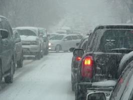 Из-за снегопада в Ижевске число ДТП выросло вдвое