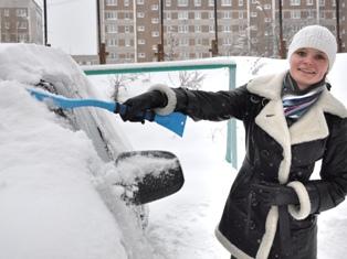 Из-за снегопада в Ижевске гаишники советуют водителям пользоваться общественным транспортом
