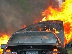 Ижевчанин, обогревая мотор, едва не спалил иномарку