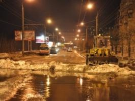 Коммунальное ЧП в Ижевске: водой залило улицы Карла Маркса и Горького