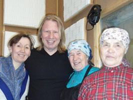 «Бурановские бабушки» репетируют номер к «Евровидению» в сельском клубе