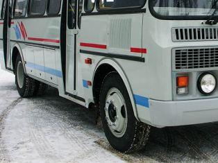 В Удмуртии при столкновении иномарки и автобуса пострадали 3 человека