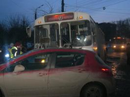 Смертельное ДТП с троллейбусом в Ижевске: водитель знала о неисправных тормозах?