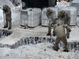 Химотходы в Удмуртии: замерзшие химикаты растапливают