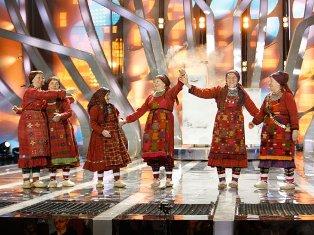 Популярность «Бурановских бабушек» растет: им посвящают флэшмобы, шутки и песни в караоке