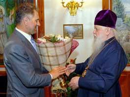 Александр Волков поздравил верующих с Пасхой