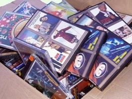 За сутки ижевские полицейские изъяли почти 800 единиц контрафактной продукции