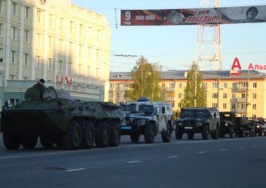 В Ижевске военная техника отрепетировала победный марш