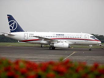 В Индонезии пропал самолет SuperJet-100 с россиянами на борту