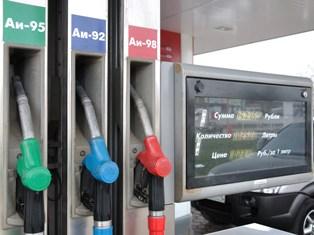 Бензин в Ижевске к концу лета может стоить 33 рубля за литр