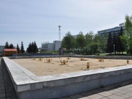 На Центральной площади Ижевска дали течь три фонтана