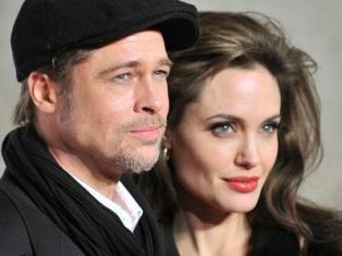 Анджелина Джоли подарила Брэду Питту на свадьбу вертолет