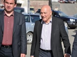 Познер в Ижевске ходил пешком из-за пробок и травил байки про Путина
