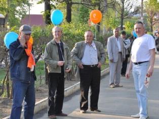 «Живая цепь» в Ижевске: более 750 горожан поздравили ветеранов связи