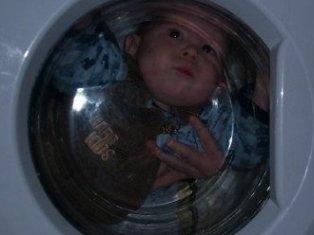 Американец постирал маленького сына в стиральной машине