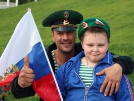 Как Ижевск отметил День пограничника