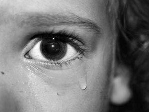 На Кипре ребенок из России врезался в стеклянную дверь отеля и погиб