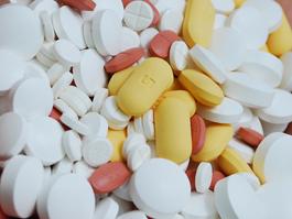 С 1 июня таблетки от кашля и от боли продадут только по рецепту