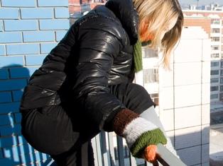 В Удмуртии студентка выпрыгнула с 13-го этажа общежития