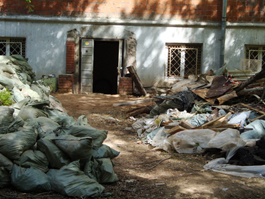 Жилой дом в Ижевске может рухнуть из-за незаконной стройки