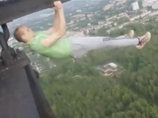 «Сумасшедшие русские» показали смертельно опасные трюки на кране