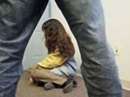 В Удмуртии родной дядя на протяжении трех лет насиловал племянницу