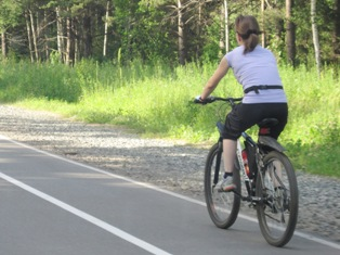 «Хитрая» разметка для велосипедистов появилась на трассе под Ижевском