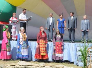 Новая мода в Ижевске: чиновники учат удмуртский язык
