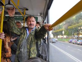 Общественный транспорт Ижевска: маршрутки вылетают на «встречку», автобусы ездят с открытыми дверями