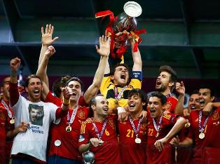 Испания разгромила Италию в финале
