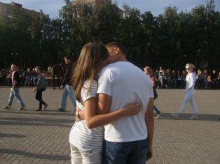 Флэшмобы целовашек и обнимашек пройдут в Ижевске
