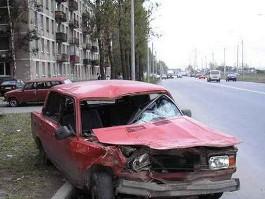 Житель Удмуртии заявил об угоне своего авто, которое разбил его друг
