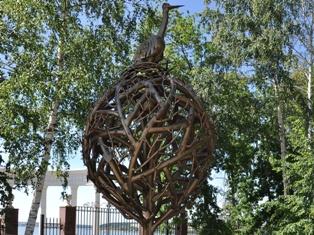 В Летнем саду Ижевска «выросло» железное дерево любви