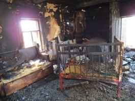 Рискуя жизнью, ижевчанин вытащил из огня двухлетнюю малышку
