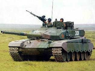 Российская армия отказалась от гусениц в пользу колес