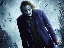 Преступник, стрелявший на премьере фильма о Бэтмене, называет себя Джокером