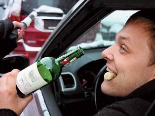 Сотрудники Госавтоинспекции рассказали, куда жаловаться на пьяных водителей