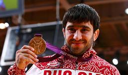 Дзюдоист Исаев принес России второе золото Олимпиады