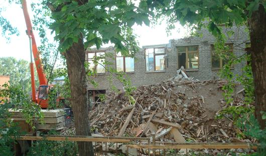 В Ижевске практически снесли здание бывшей школы-интернат №2