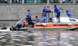 В Санкт-Петербурге затонул прогулочный теплоход, 15 человек пострадали
