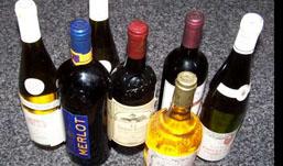 Пьяные ижевчане похитили из магазина 15 бутылок алкоголя