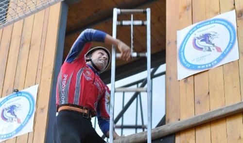 В Ижевске установили новый российской рекорд в подъеме штурмовой лестницы